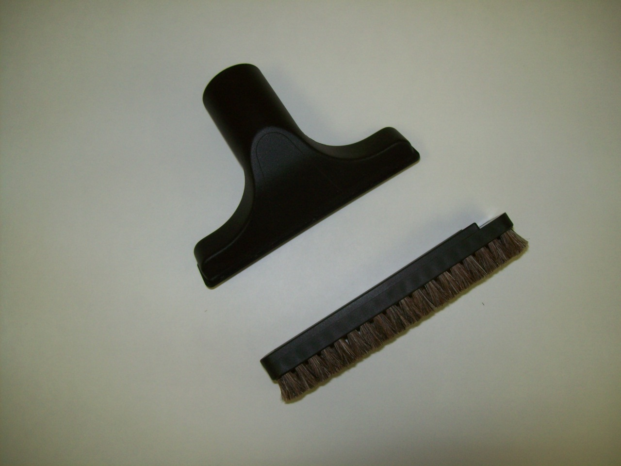 Upholstery Tool, W/Horse Hair Slide on Brush Black